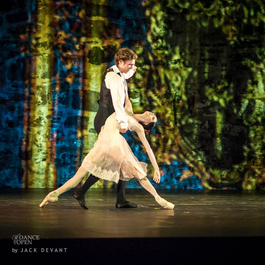 Music by  F. Chopin Choreography by J. Neumeier Pas de Deux from Lady of the Camellias Performed by Lucia Lacarra and Marlon Dino