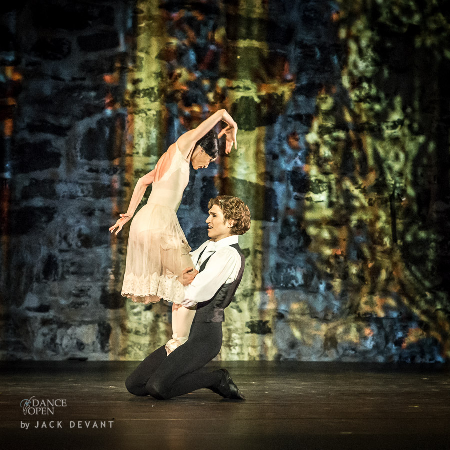 Lucia Lacarra and Marlon Dino in Lady with the Camellias