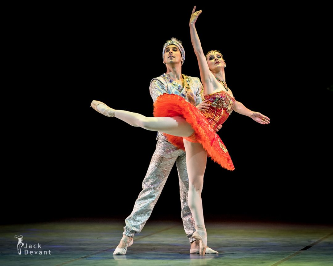 La Bayadere, pas d'action by Luana Georg, Sergei Upkin and corps de ballet Estonian National Ballet, new choreography by Thomas Edur