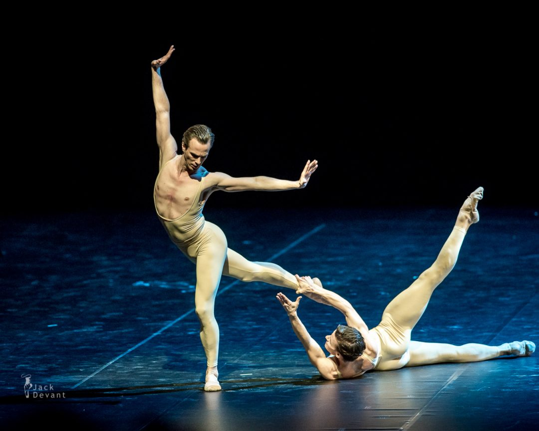 Rainer Krenstetter and Marian Walter in Les Intermittences Du Coeur-109