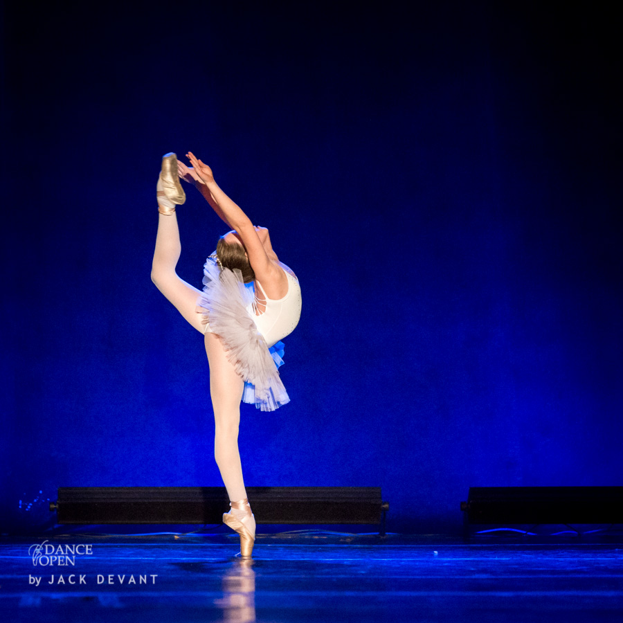 Anastasia Mozolevskaya in Little Swan Call