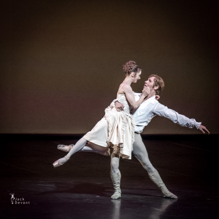 Maria Kochetkova and Johan Kobborg in Manon