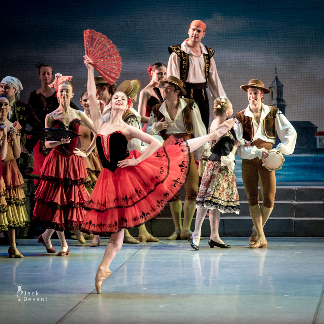 Ivan Vasiliev as Basilio and Angelina Vorontsova as Kitri in Don Quixote