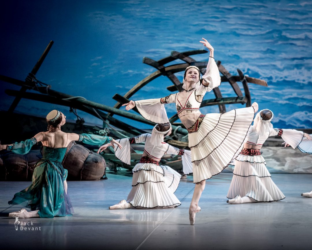 Kristina Shapran as Medora in Le Corsaire
