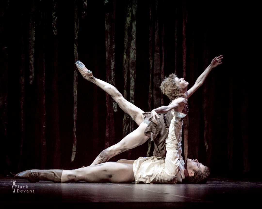Tatiana Melnik (Татьяна Мельник) as Manon and Alban Lendorf as Des Grieux in Manon