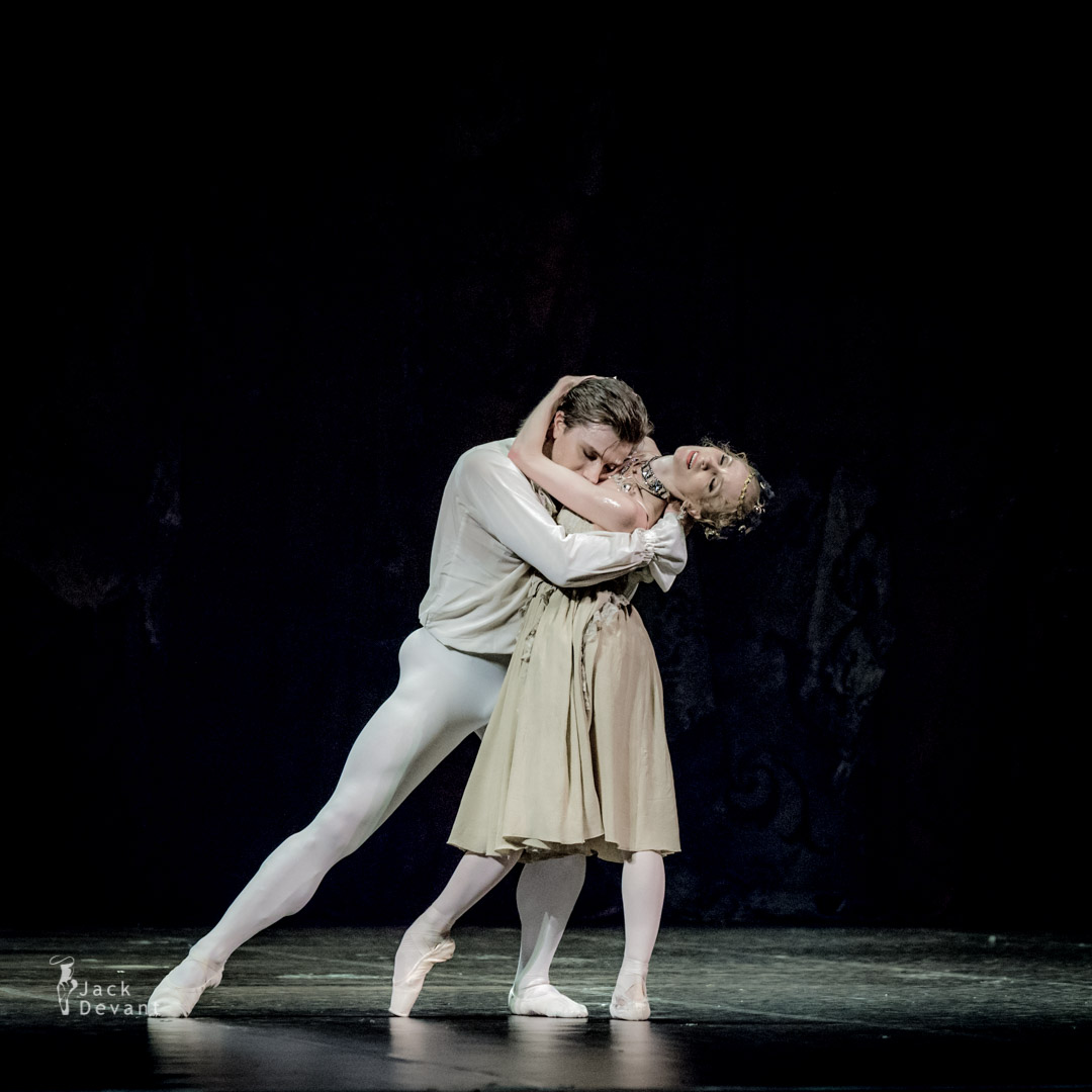 Tatiana Melnik and Alban Lendorf in Manon