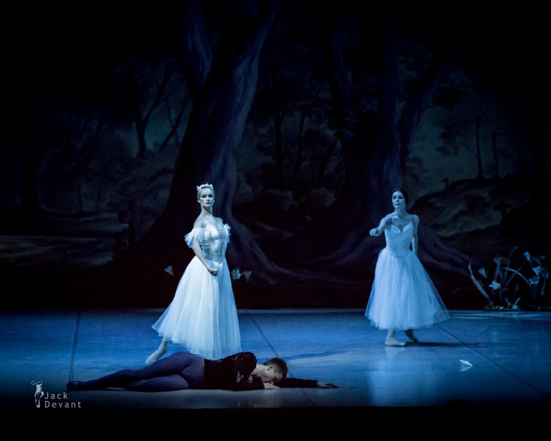 Natalia Osipova and Leonid Sarafanov in Giselle second act