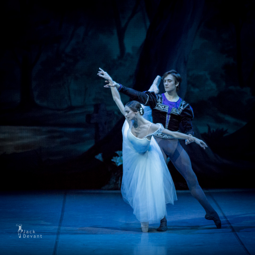 Polina Semionova and Friedemann Vogel in Giselle act 2