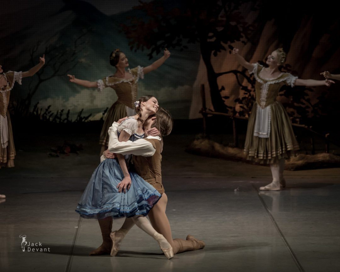 Polina Semionova and Friedemann Vogel in Giselle act 1