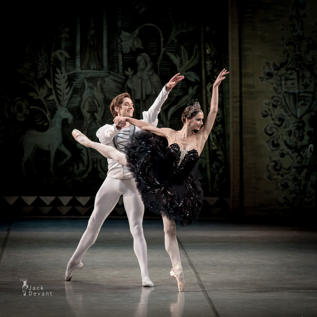Polina Semionova and Friedemann Vogel in Swan Lake PDD