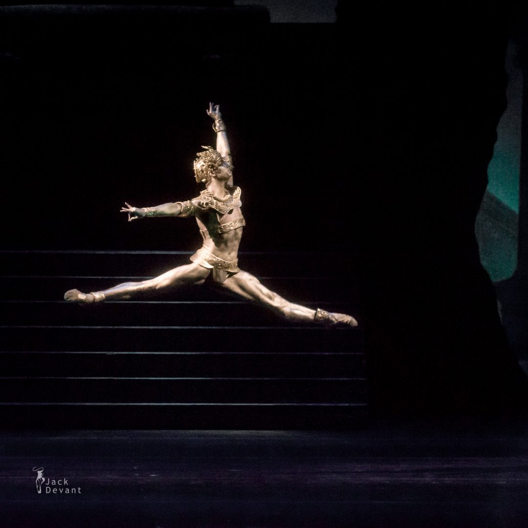 Aleksey Babaev as Golden Idol in La Bayadere
