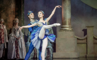 Nanae Maruyama as Princess Florina and Jonathan Davidsson as Bluebird