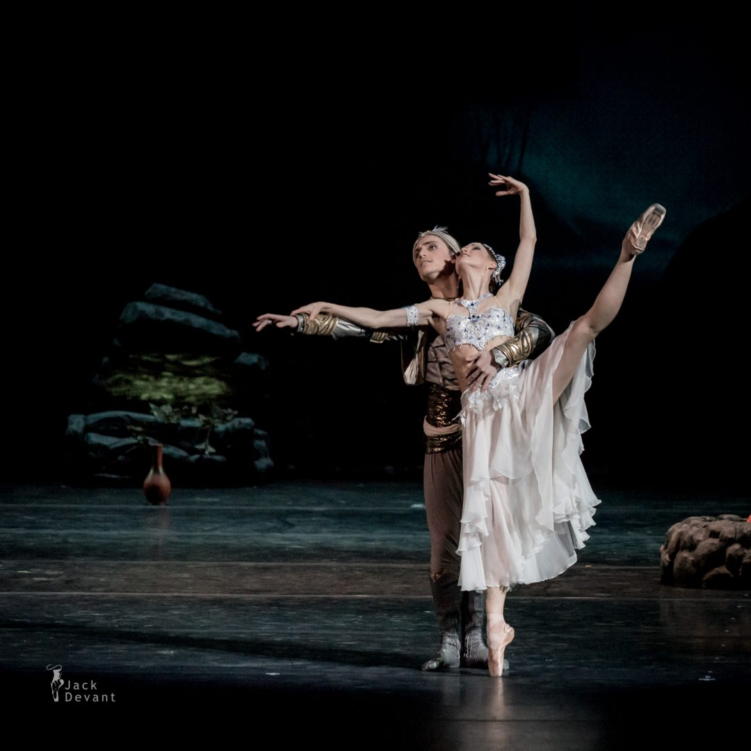 Natalia Somova as Nikiya and Sergei Polunin as Solor in La Bayadere-108