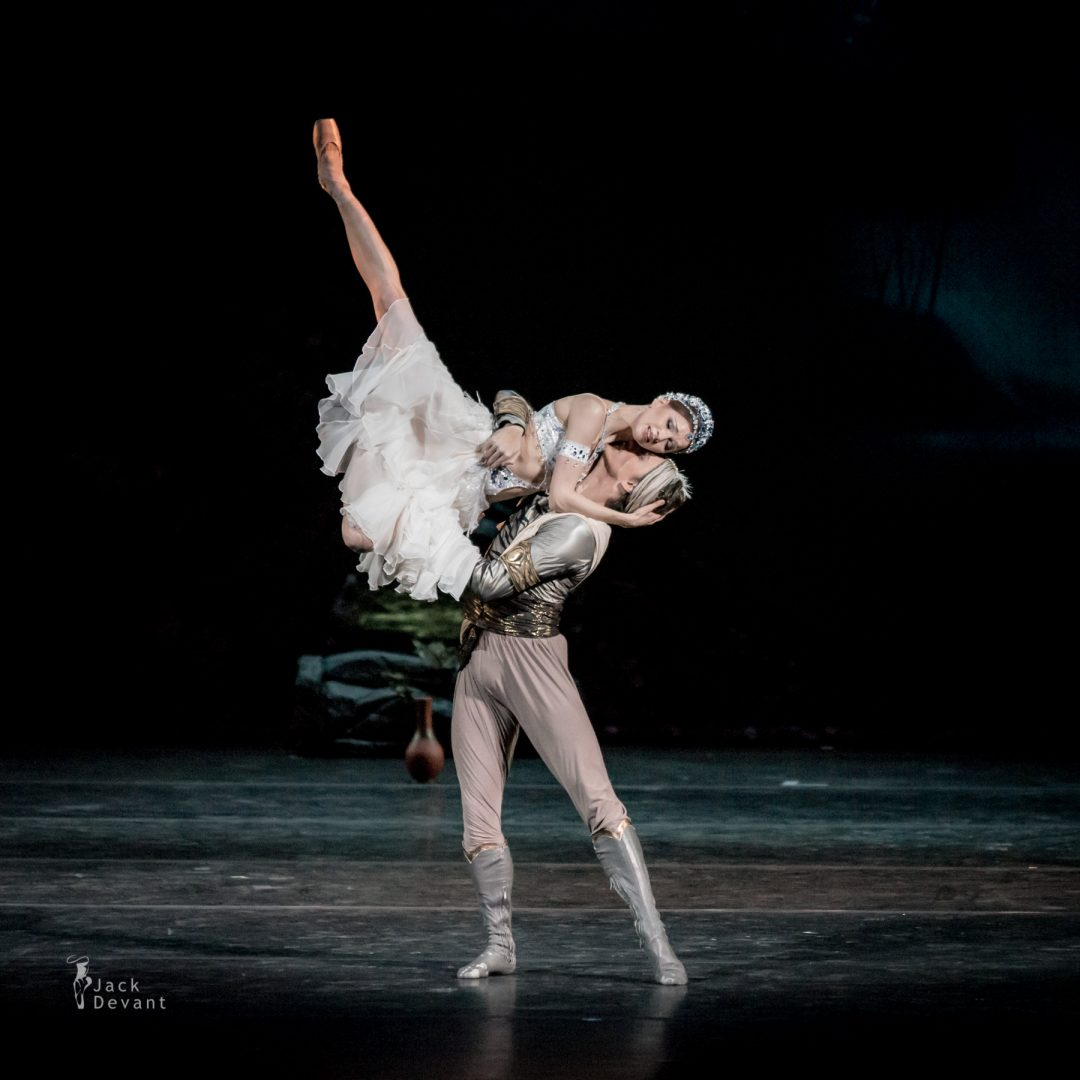 Natalia Somova as Nikiya and Sergei Polunin as Solor in La Bayadere-109