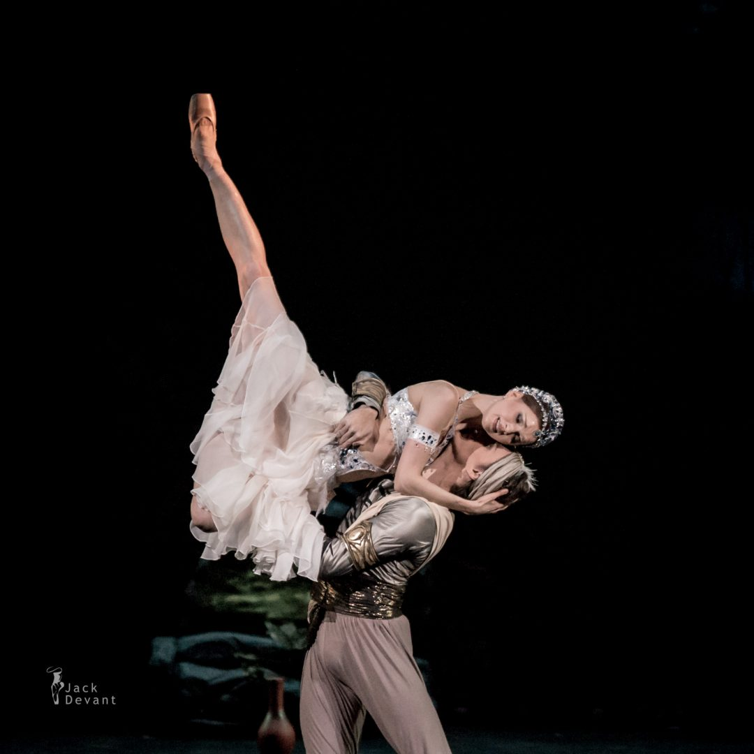Natalia Somova as Nikiya and Sergei Polunin as Solor in La Bayadere-110
