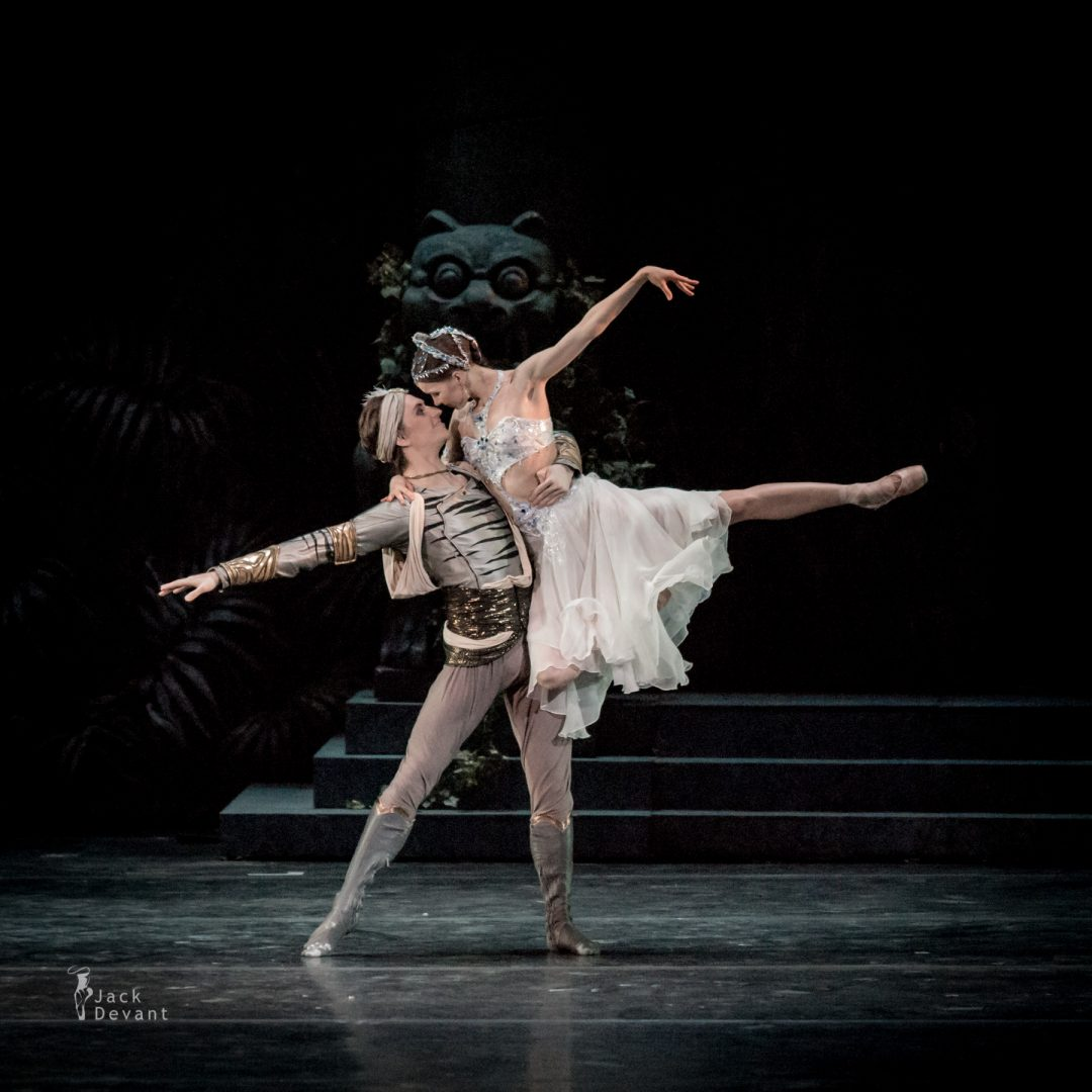 Natalia Somova as Nikiya and Sergei Polunin as Solor in La Bayadere-111
