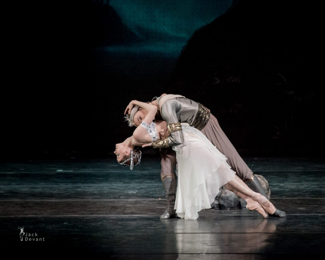 Natalia Somova as Nikiya and Sergei Polunin as Solor in La Bayadere-114