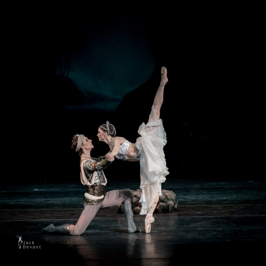 Natalia Somova as Nikiya and Sergei Polunin as Solor in La Bayadere-118