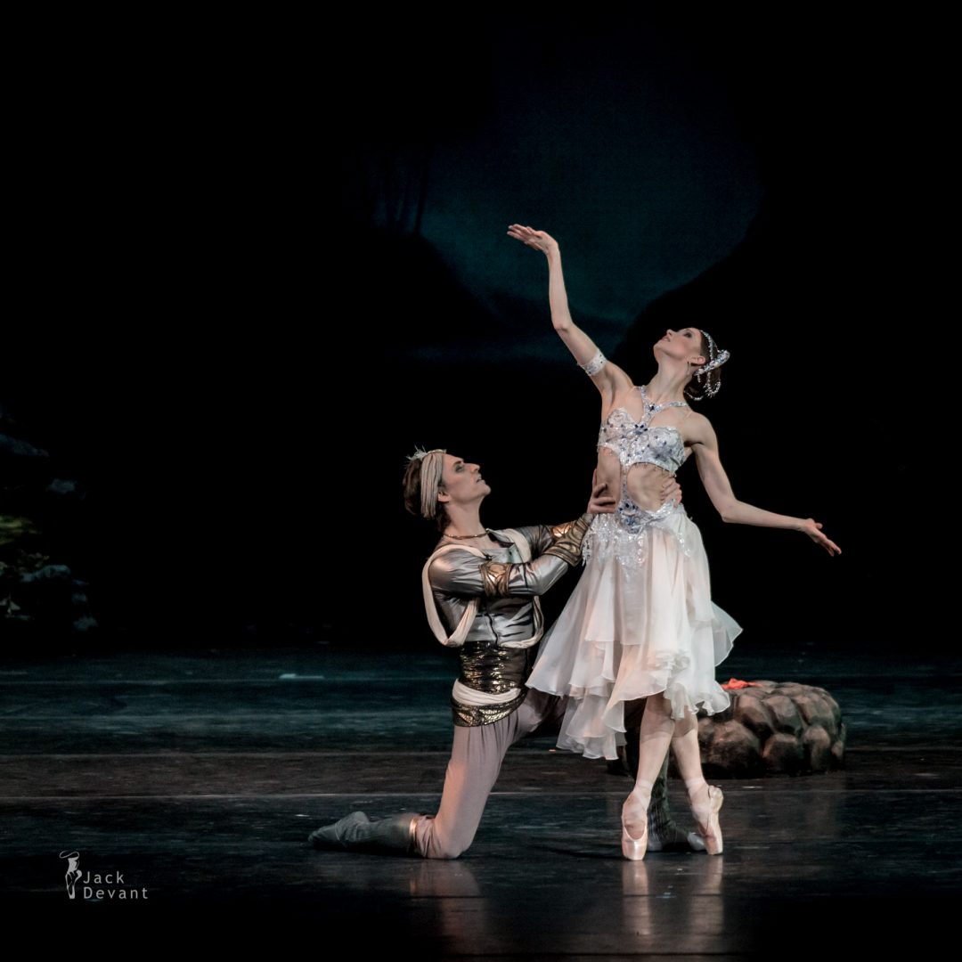 Natalia Somova as Nikiya and Sergei Polunin as Solor in La Bayadere-119