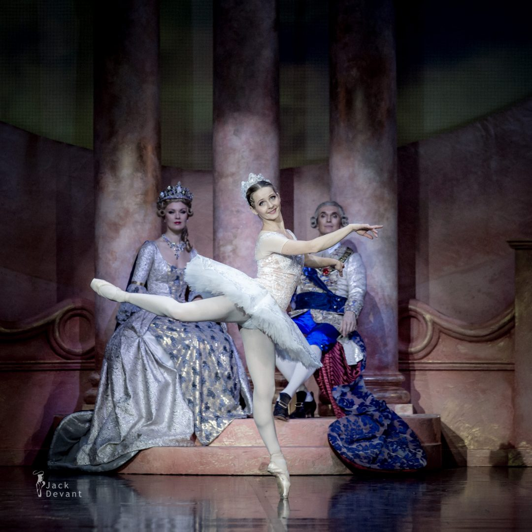 Luana Georg and Sergei Upkin in The Sleeping Beauty PDD