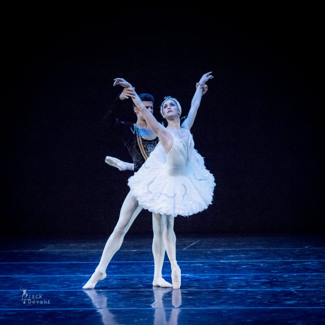 Marianela Nunez and Thiago Soares in Adagio from Swan LakeMarianela Nunez and Thiago Soares in Adagio from Swan Lake