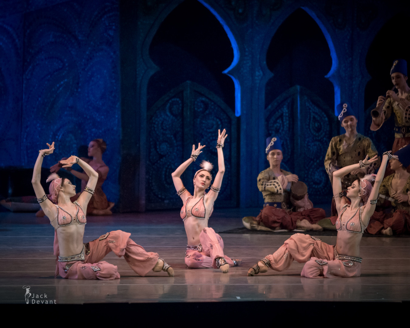 Viktoria Tereshkina and Danila Korsuntsev in Scheherazade