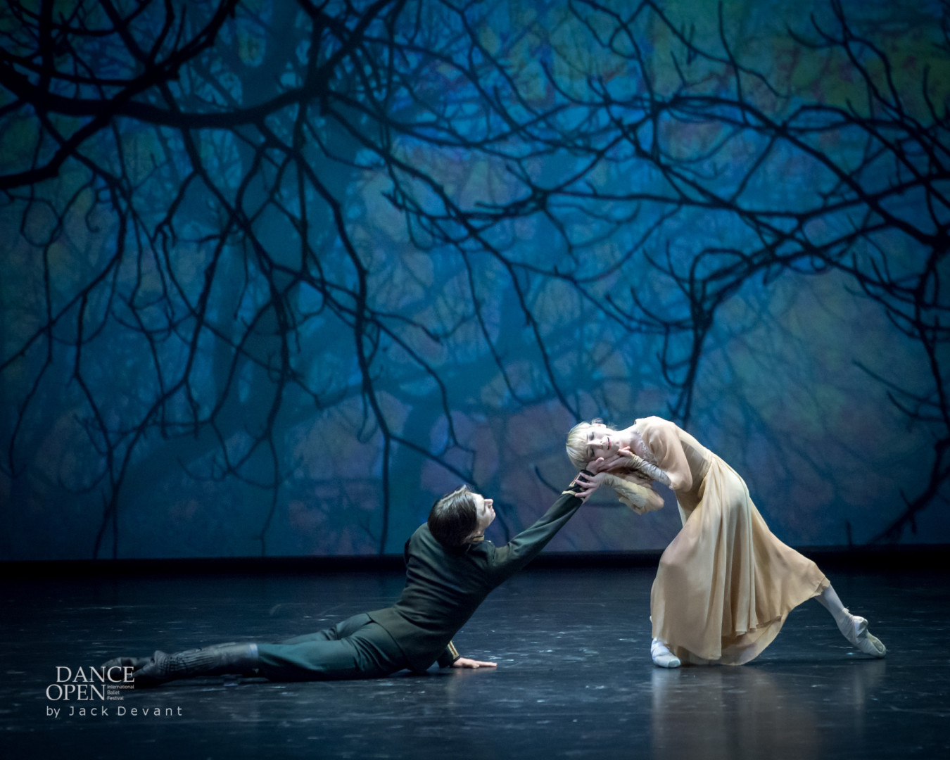 Sarah Lamb and Vadim Muntagirov in Winter Dreams