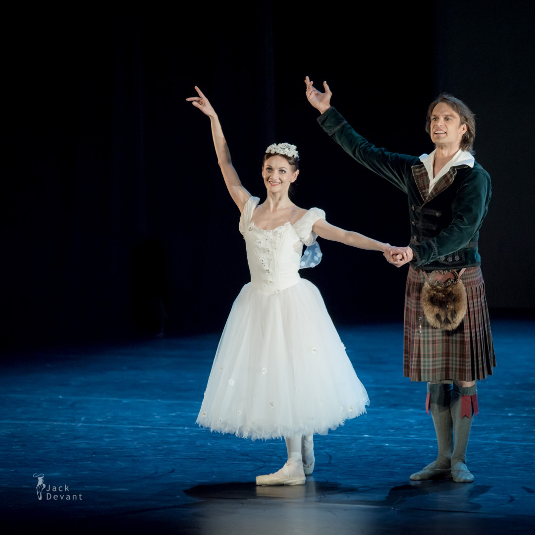 Maria Eichwald and Filip Barankiewicz in La Sylphide