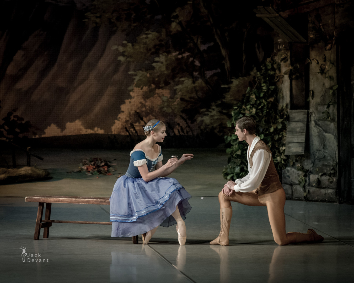 Angelina Vorontsova and Victor Lebedev in Giselle