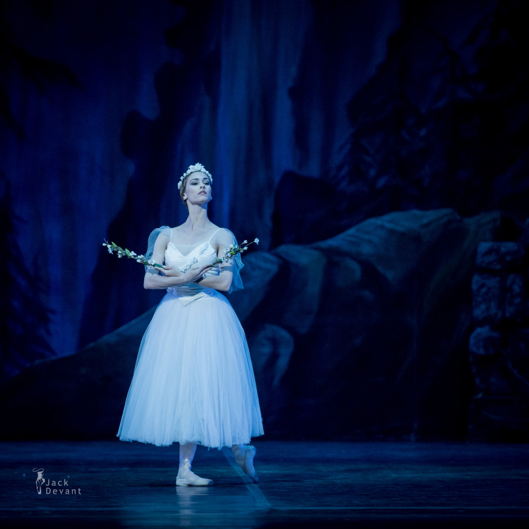 Luisa Ieluzzi as Myrtha Giselle
