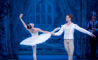 Liudmila Konovalova and Matthew Golding in The Sleeping Beauty pdd