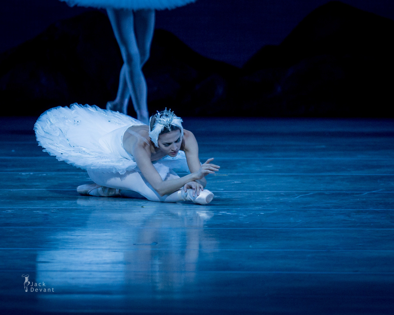 Alina Somova and Danila Korsuntsev in Swan Lake last act