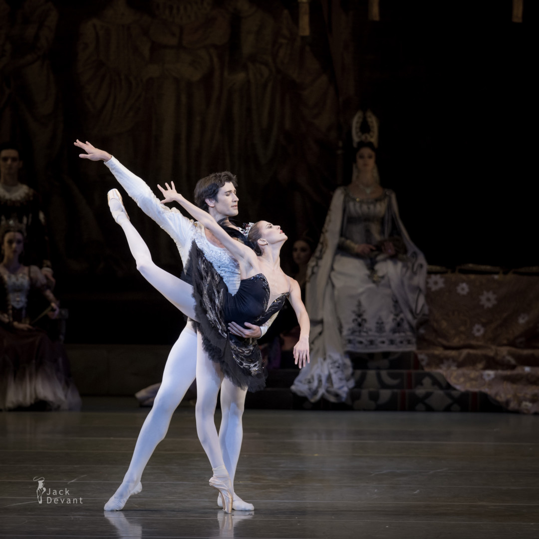 Swan Lake at Mariinsky Theatre with Alina Somova and Danila Korsuntsev