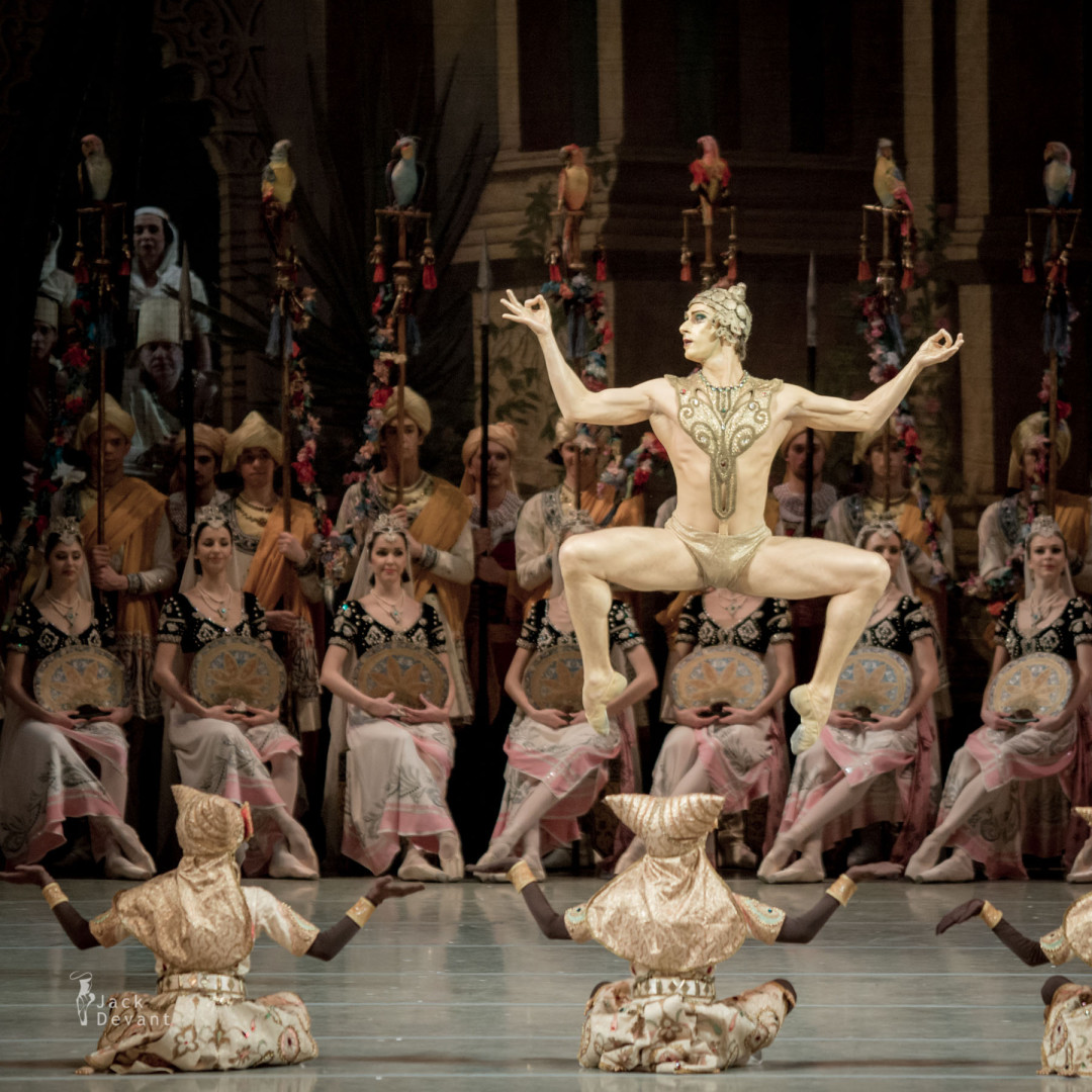 Philipp Stepin as Golden Idol in La Bayadere
