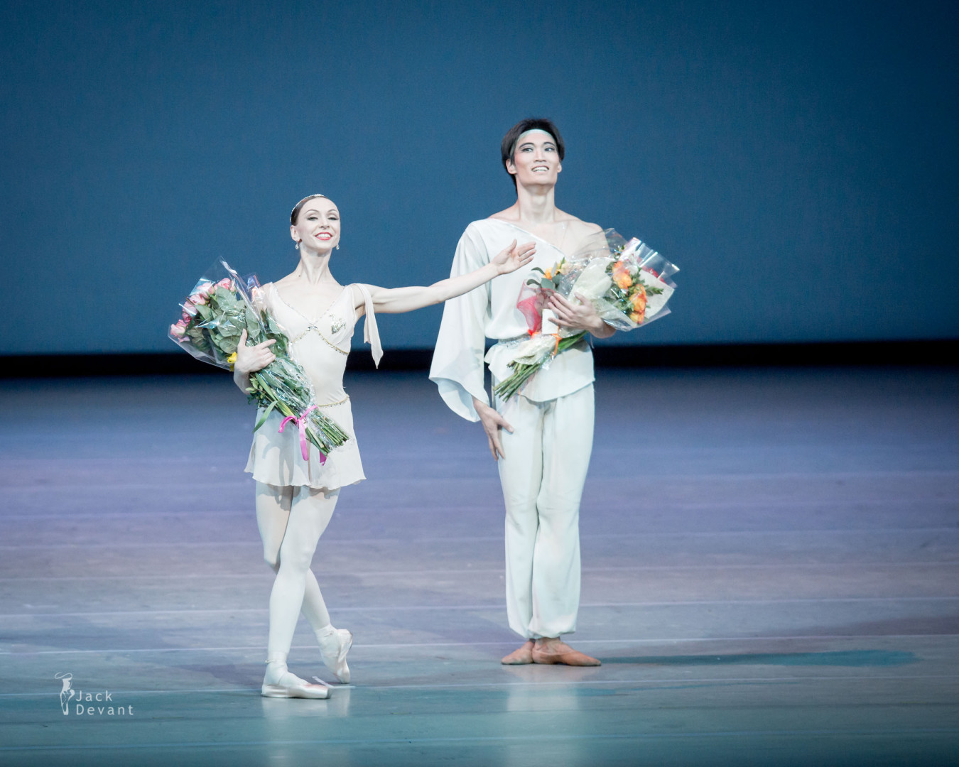 The Talisman pas de deux by Yekaterina Osmolkina (Rus. Yekaterina Osmolkina) and Kimin Kim bow