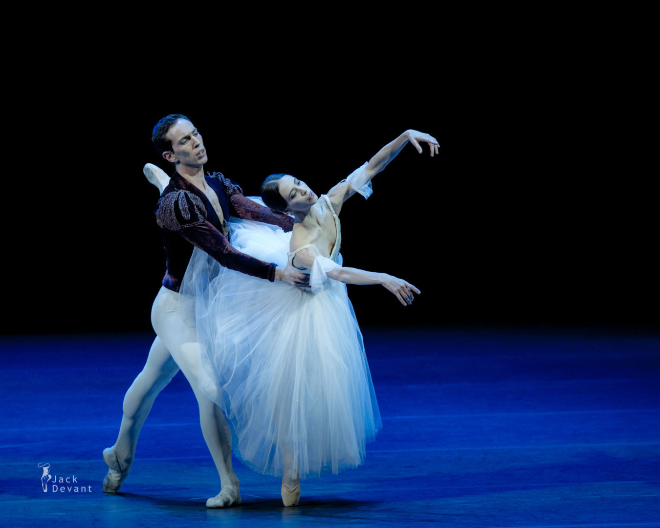 Rebecca Bianchi and Claudio Cocino in duet from Giselle, music by Adolphe Adam, choreography version by Patricia Rouanne after Marius Petipa