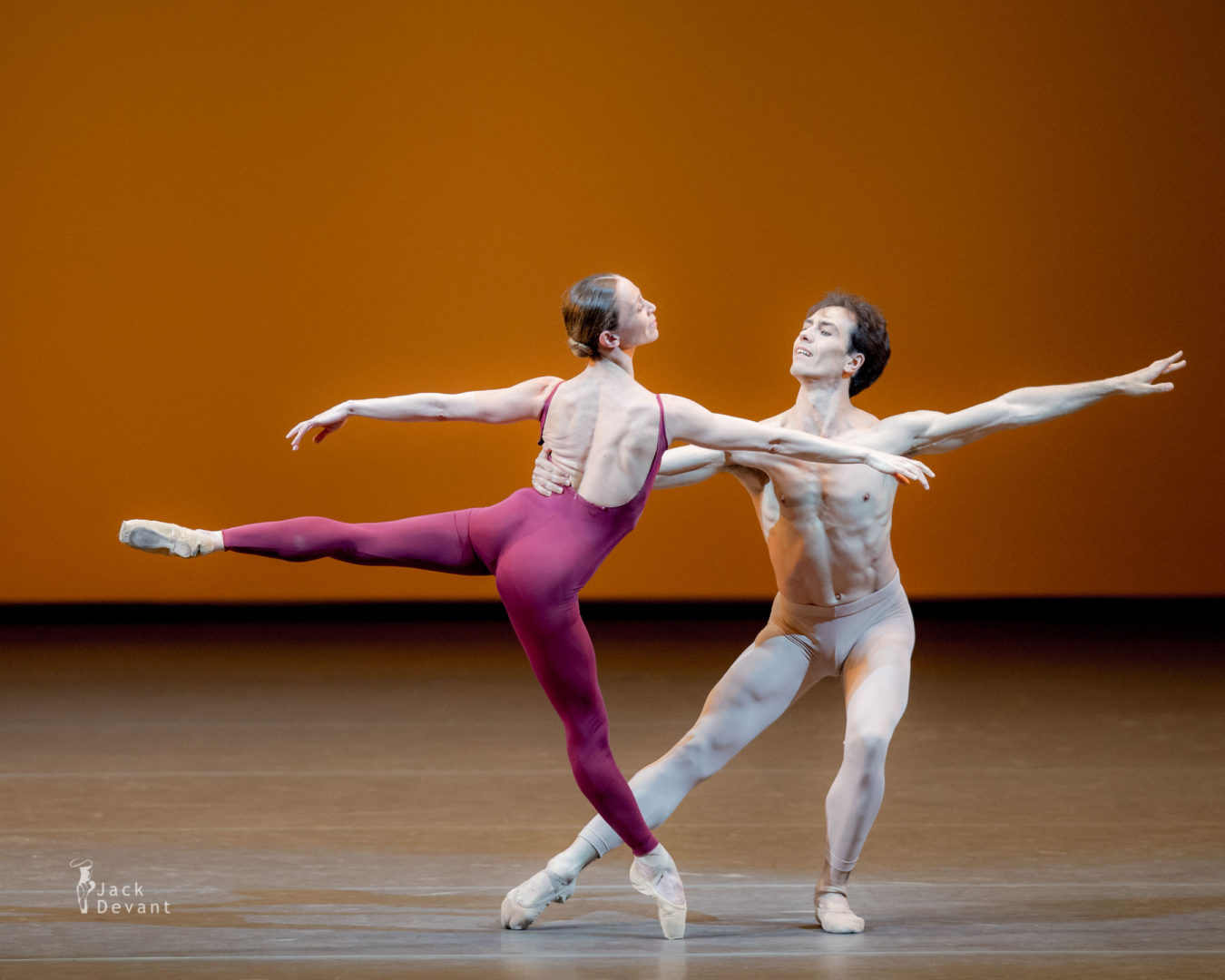 Silvia Azzoni and Alexandre Riabko in Third Symphony, music by Gustav Mahler, choreography by John Neumeier