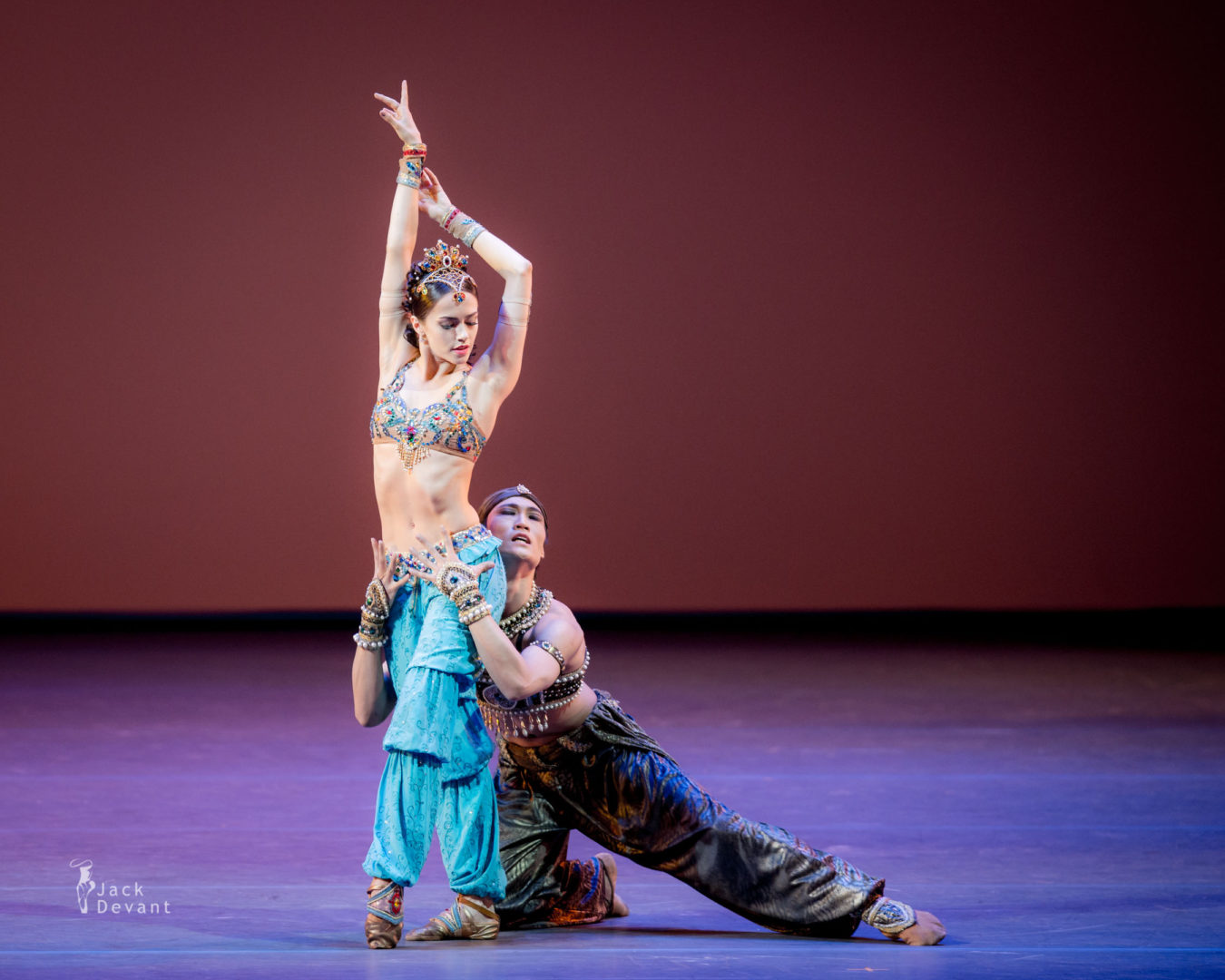 Nadezhda Batoeva (Rus. Надежда Батоева) and Kimin Kim in Scheherazade, music by Nikolai Rimsky-Korsakov, choreography by Mikhail Fokin