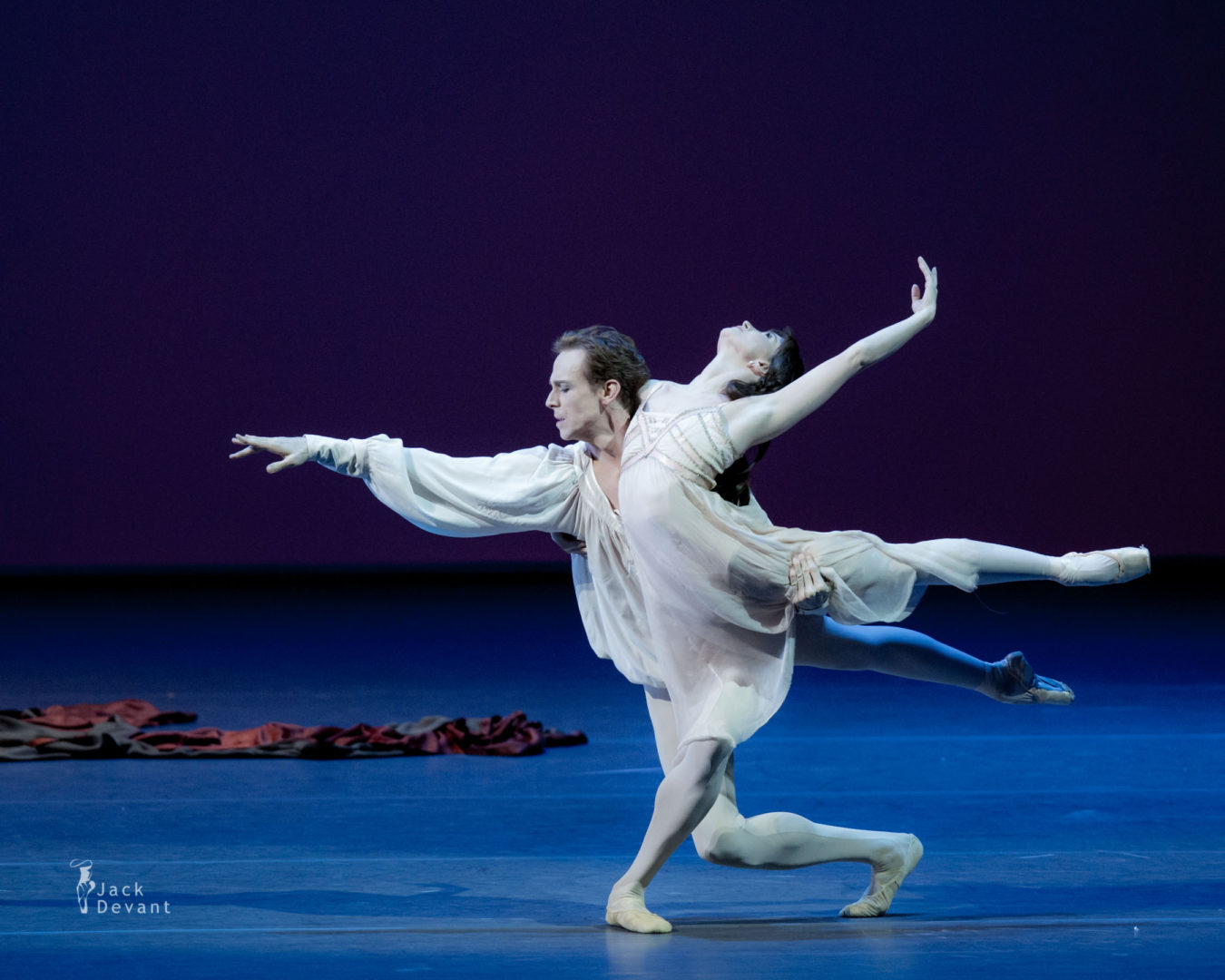 Benois de la Danse 2016 Laureates Gala Lauren Cuthbertson and Edward Watson in Romeo and Juliet, music by Sergei Prokofiev, choreography by Kenneth MacMillan