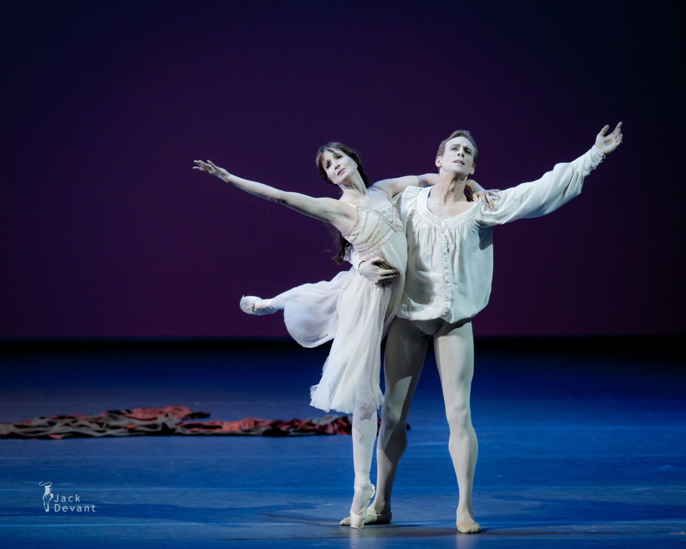 Lauren Cuthbertson and Edward Watson in Romeo and Juliet, music by Sergei Prokofiev, choreography by Kenneth MacMillan