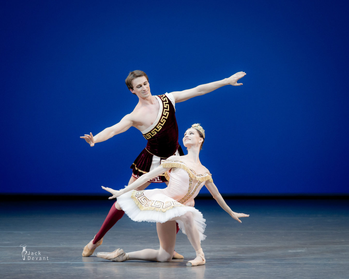Benois de la Danse Oksana Skorik (Rus. Оксана Скорик) and Philipp Stepin (Rus. Филипп Стёпин) in Sylvia, music by Léo Delibes, choreography by Frederick Ashton