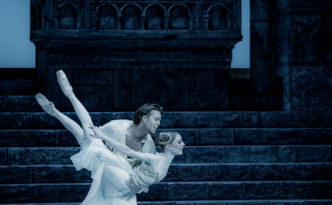 Sarah Lamb and Matthew Golding in Romeo and Juliet balcony scene
