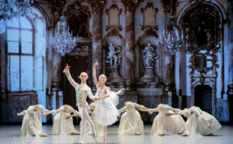 Olga Smirnova and Semyon Chudin in Marco Spada