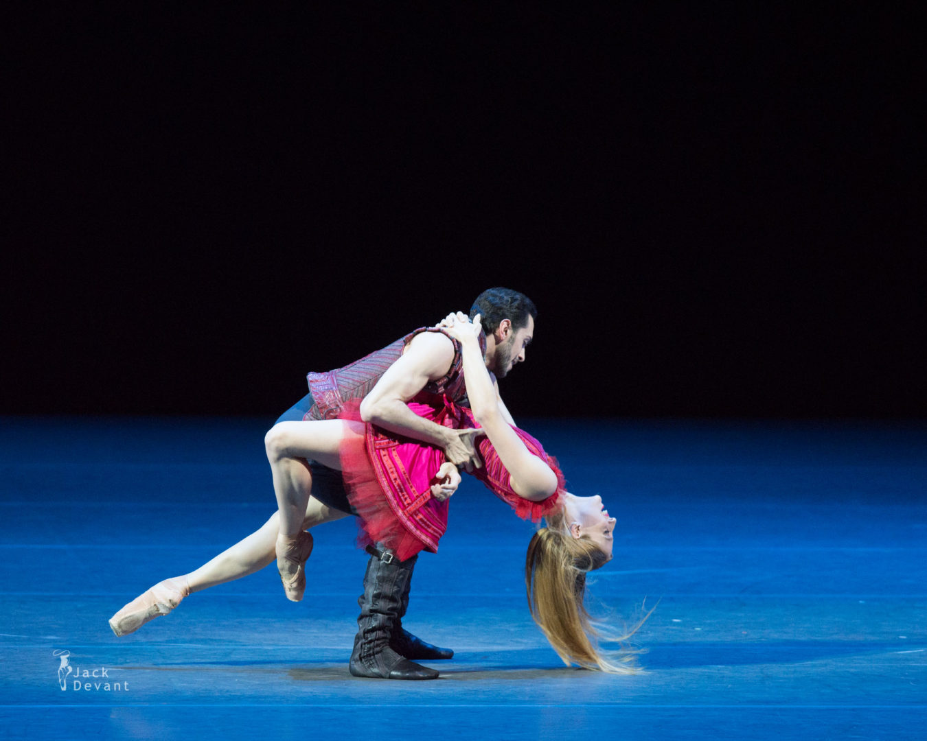 Virna Toppi and Christian Fagetti in duet from Cinderella, music by Sergei Prokofiev, choreography by Mauro Bigonzetti