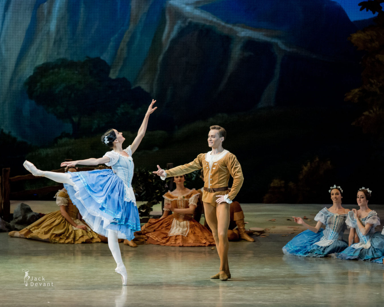 Anna Germizeeva Анна Гермизеева and Evgeny Basalyuk Евгений Басалюк in Peasant pas de deux from Giselle in The Novosibirsk Opera and Ballet Theatre