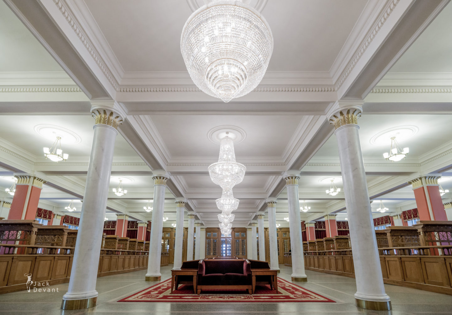 Novosibirsk Opera and Ballet Theatre Foyer and wardrobe