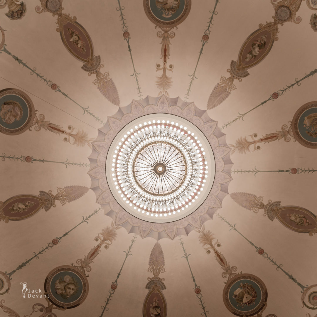 Novosibirsk Opera and Ballet Theatre Chandelier ceiling