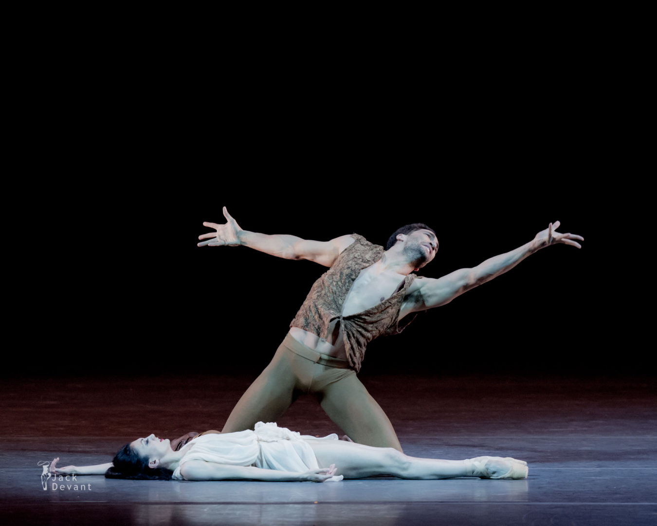 Victoria Jaiani and Fabrice Calmels in Othello