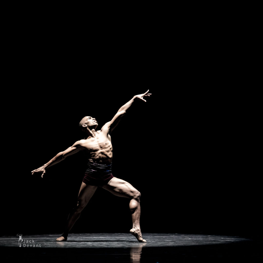 Desmond Richardson in Lament, music by Ch. Veal, choreography by Dwight Rhoden