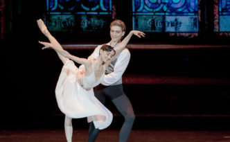 Lucia Lacarra and Marlon Dino in the Lady of the Camellias